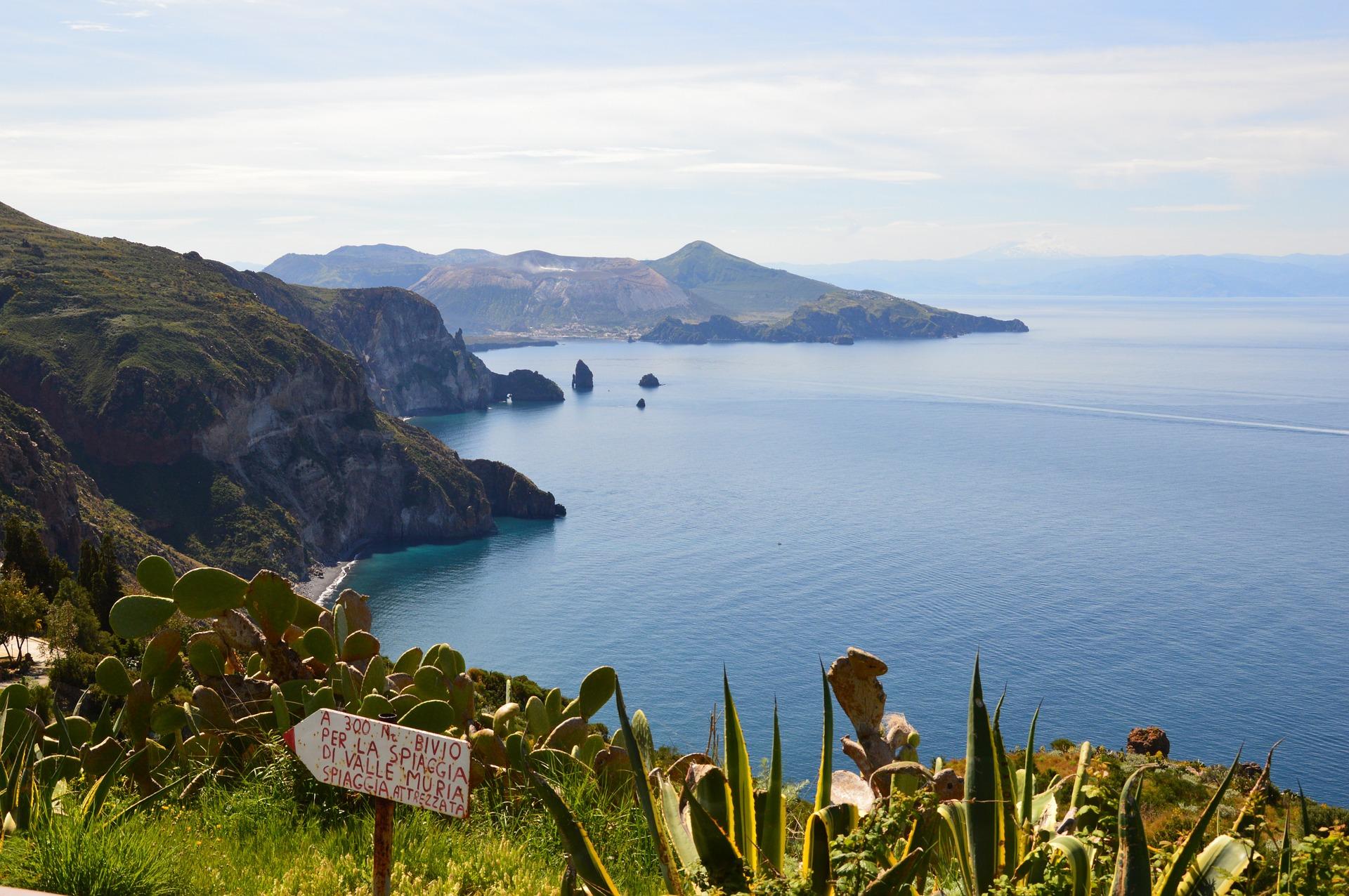 Sicilia Isole Eolie Lipari Trekking
